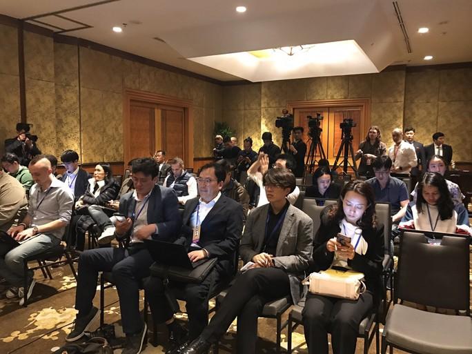 Ngoại trưởng Triều Tiên họp báo lúc 0 giờ tại khách sạn Melia - Ảnh 4.