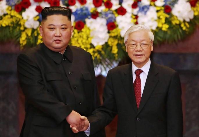 Chủ tịch Kim Jong-un mời Tổng Bí thư, Chủ tịch nước thăm Triều Tiên - Ảnh 1.