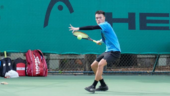 Phạm Minh Tuấn sống lại đam mê quần vợt - Ảnh 1.
