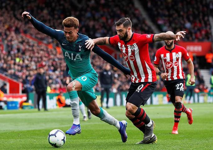 Harry Kane ghi bàn thứ 200, Tottenham vẫn thua sốc  - Ảnh 3.