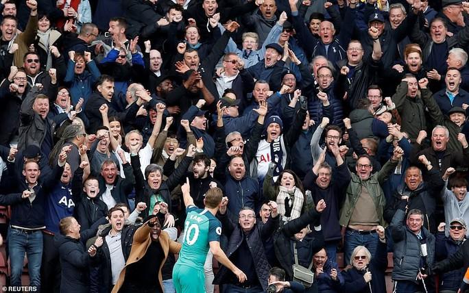 Harry Kane ghi bàn thứ 200, Tottenham vẫn thua sốc  - Ảnh 4.