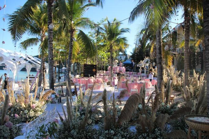 Lộng lẫy lễ cưới chính thức của tỉ phú Ấn Độ tại Phú Quốc - Ảnh 10.