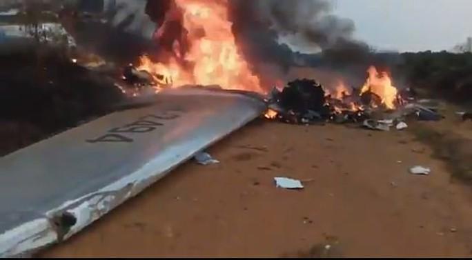 Nhật Bản: Phà cao tốc tông... cá voi, gần trăm người bị thương - Ảnh 3.