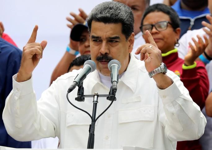 Mất điện sang ngày thứ ba, biểu tình lớn chực chờ Venezuela  - Ảnh 5.