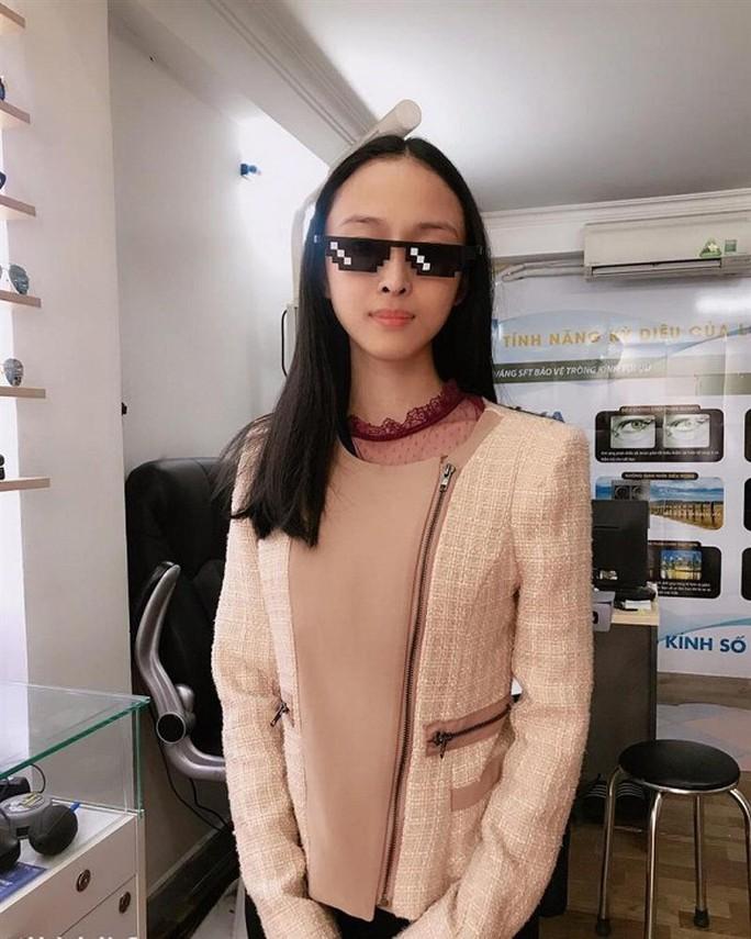 Trương Hồ Phương Nga tái xuất khoe quà lạ - Ảnh 2.