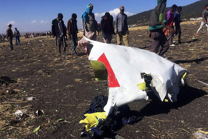 Rơi máy bay ở Ethiopia: Điều tra lực tác động bất thường, Boeing 737 Max 8 bị nhiều nước soi - Ảnh 1.