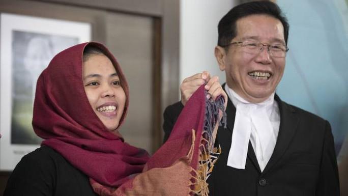 Vụ án Kim Jong-nam: Siti Aisyah về nước, cảm ơn Tổng thống Widodo - Ảnh 1.