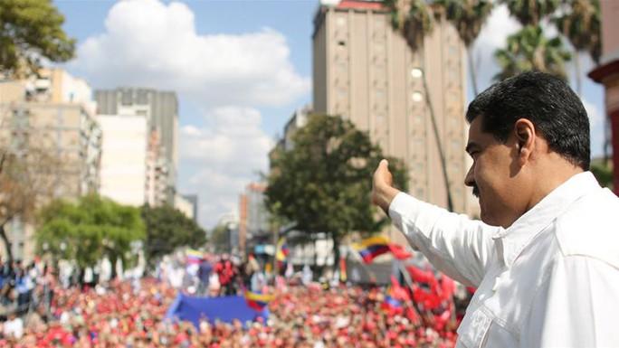 Venezuela ngừng hoạt động kinh doanh, đóng cửa trường học - Ảnh 2.