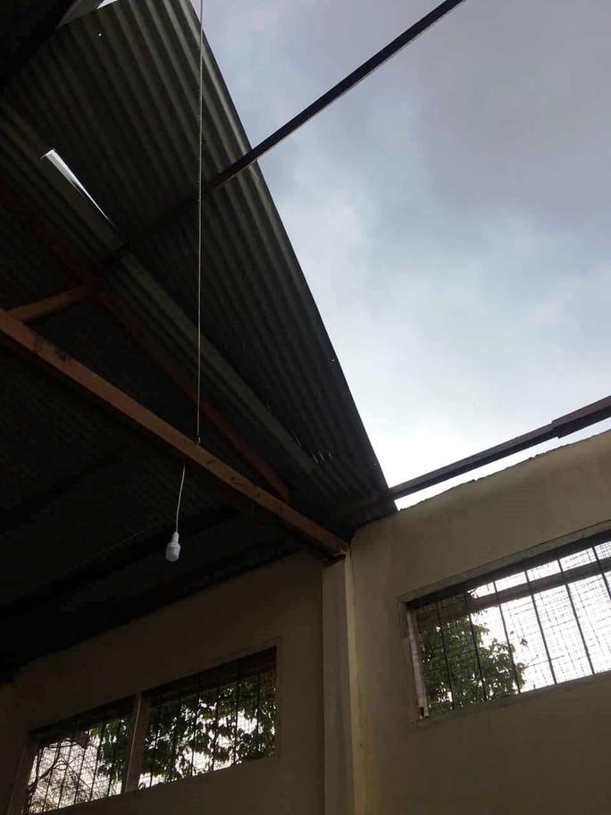 Lốc xoáy dữ dội ở Lâm Đồng đầu mùa mưa - Ảnh 5.