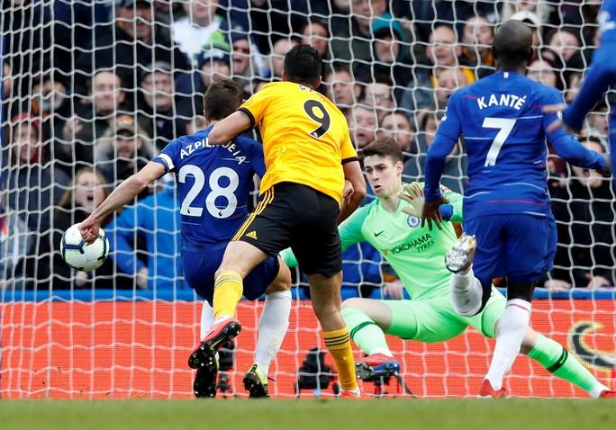 Man United gục ngã trước Arsenal, CĐV tấn công cầu thủ - Ảnh 10.