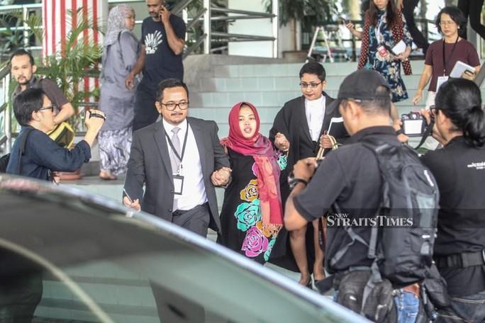 Vụ Kim Jong-nam: Malaysia bất ngờ thả bị cáo Indonesia, Đoàn Thị Hương bị sốc - Ảnh 2.