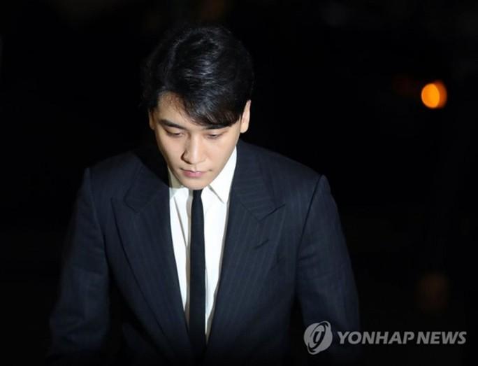 Bị điều tra dắt mối mại dâm, Seungri của Big Bang giải nghệ - Ảnh 3.