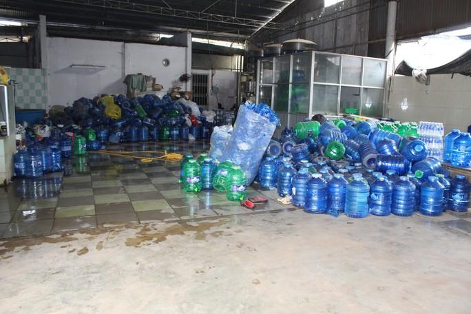 Kinh hãi công nghệ sản xuất nước uống đóng chai - Ảnh 4.
