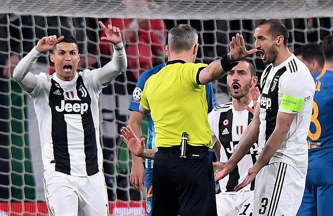 Ronaldo lập hat-trick, Juventus ngược dòng kỳ vĩ tại Turin - Ảnh 3.