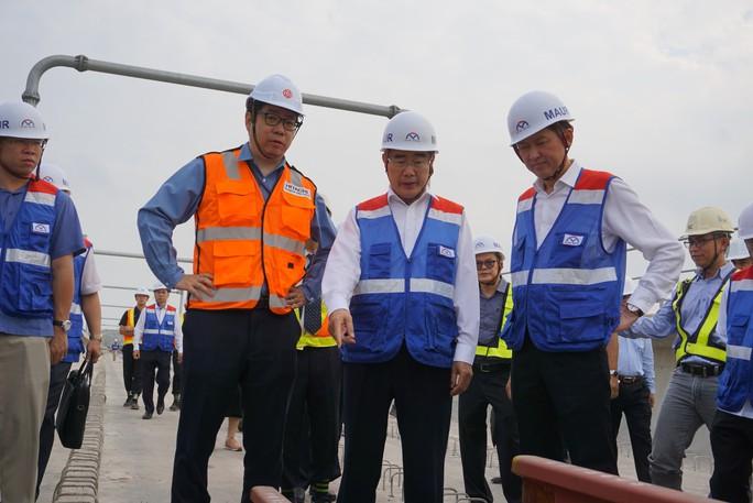 Bí thư Thành uỷ TP HCM: Tháng 4-2019, phải ra đầu bài quy hoạch đất dọc metro - Ảnh 1.