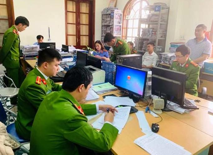 2 cán bộ Ban Giải phóng mặt bằng TP Thanh Hóa bị khởi tố - Ảnh 2.