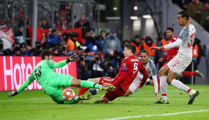 Hạ Bayern ở Hang hùm, Liverpool đoạt vé tứ kết ngỡ ngàng - Ảnh 3.