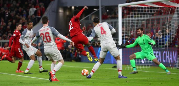 Hạ Bayern ở Hang hùm, Liverpool đoạt vé tứ kết ngỡ ngàng - Ảnh 5.