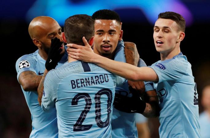 Tứ kết Champions League: Man United chạm trán Barca, Tottenham gặp Man City - Ảnh 7.