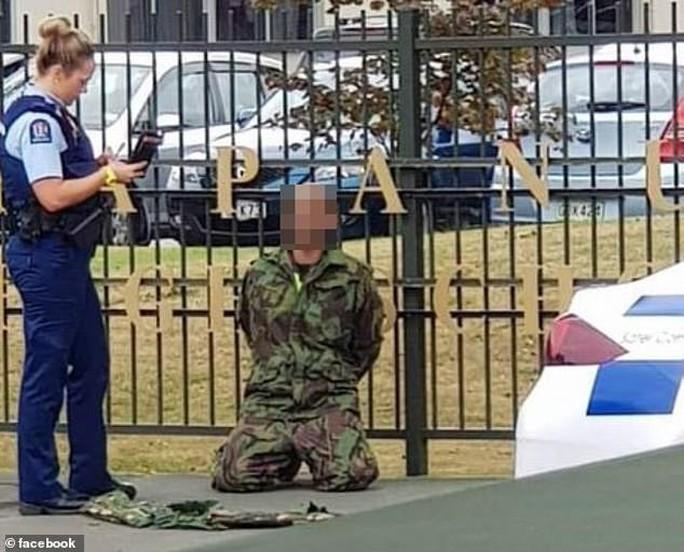 Thông điệp bệnh hoạn của kẻ xả súng ở New Zealand - Ảnh 2.