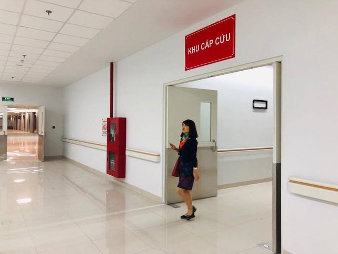 Hơn 100 y, bác sĩ được điều động về bệnh viện ngàn tỉ của Bộ Y tế - Ảnh 8.