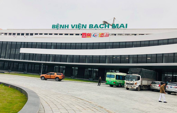 Hơn 100 y, bác sĩ được điều động về bệnh viện ngàn tỉ của Bộ Y tế - Ảnh 2.