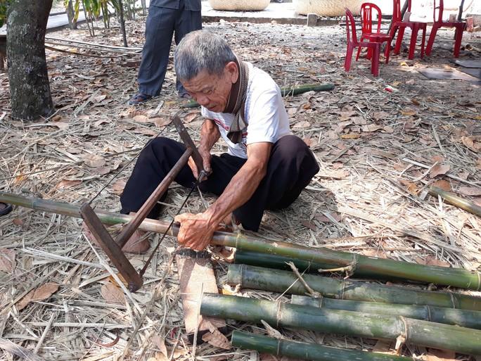 Kỳ công nghề đan thuyền thúng ở xứ Quảng - Ảnh 4.