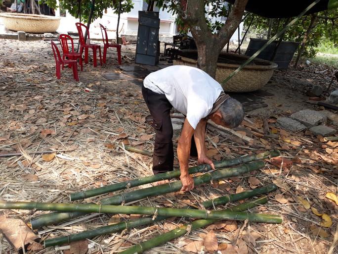 Kỳ công nghề đan thuyền thúng ở xứ Quảng - Ảnh 3.
