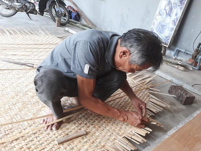 Kỳ công nghề đan thuyền thúng ở xứ Quảng - Ảnh 6.