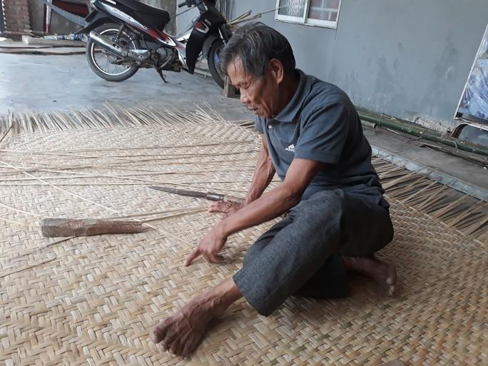 Kỳ công nghề đan thuyền thúng ở xứ Quảng - Ảnh 8.