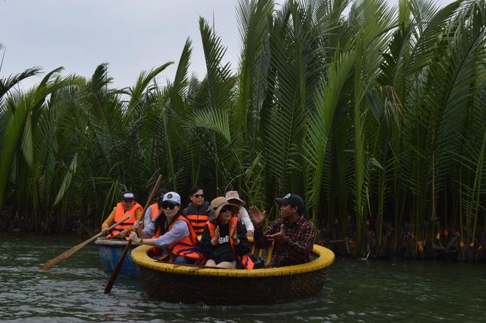 Kỳ công nghề đan thuyền thúng ở xứ Quảng - Ảnh 16.