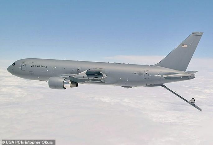 Không quân Mỹ giáng đòn mạnh vào Boeing - Ảnh 1.