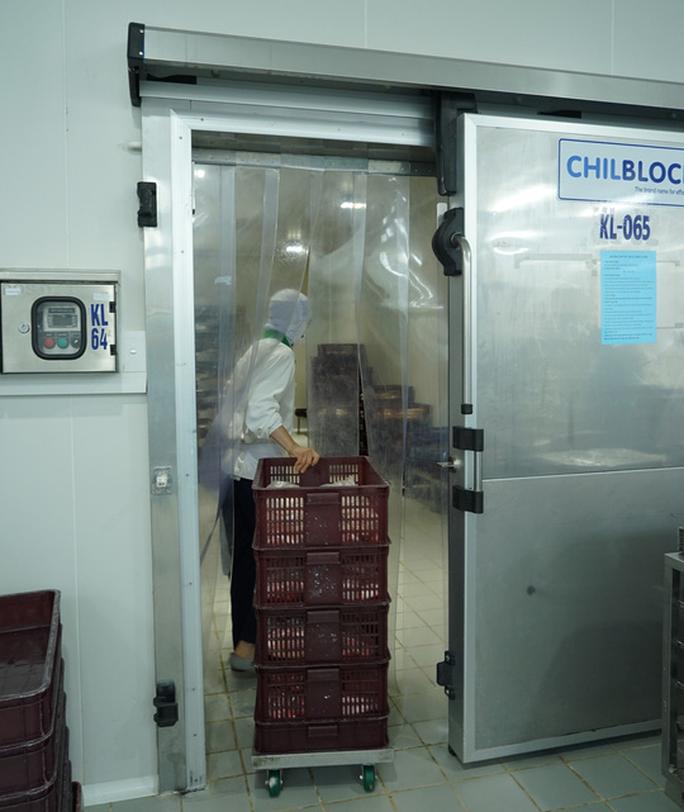 Khám phá bếp ăn đặc biệt làm 22.000 suất ăn/ngày cho các chuyến bay - Ảnh 1.