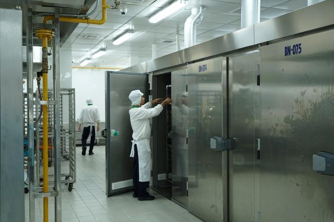 Khám phá bếp ăn đặc biệt làm 22.000 suất ăn/ngày cho các chuyến bay - Ảnh 18.