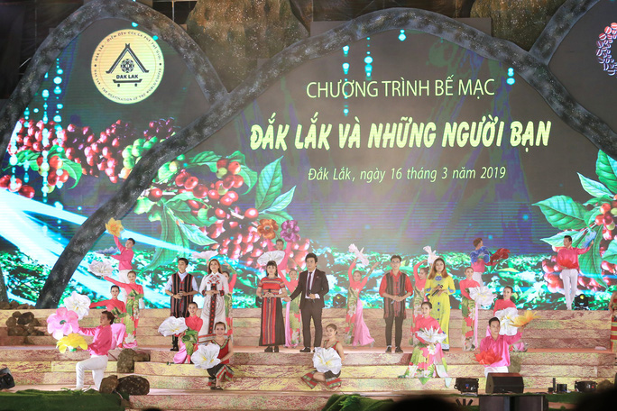 Đông Nhi, Noo Phước Thịnh... cháy hết mình tại đêm bế mạc Lễ hội Cà phê - Ảnh 7.