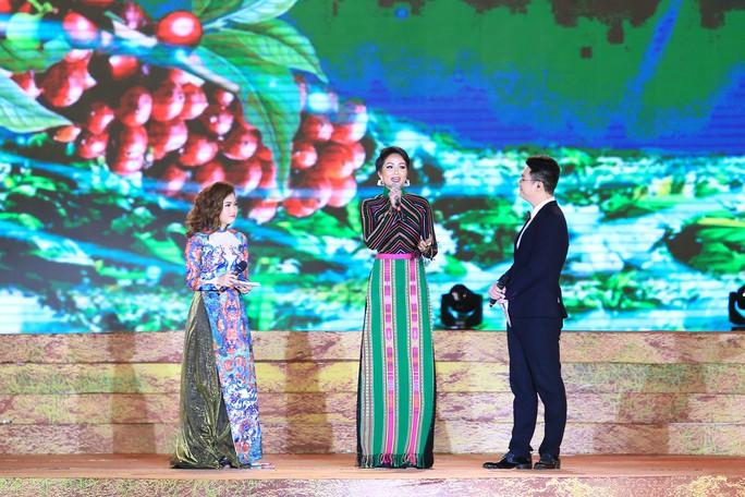 Đông Nhi, Noo Phước Thịnh... cháy hết mình tại đêm bế mạc Lễ hội Cà phê - Ảnh 2.