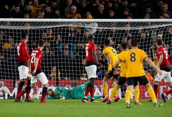 Chấn động FA Cup: Man United gục ngã trước bầy sói Wolverhampton - Ảnh 3.