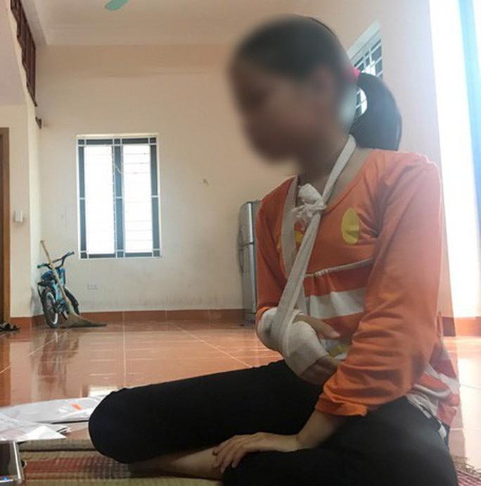 Xâm hại bé gái 9 tuổi đến rạn xương tay: Trưởng công an huyện giải thích lý do cho bị can tại ngoại - Ảnh 1.