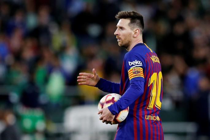 Báo chí trao cúp sớm cho Barcelona, CĐV Betis mừng Messi phá lưới đội nhà - Ảnh 6.