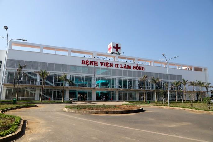 Bệnh viện II Lâm Đồng chậm tiến độ, đội vốn hơn 150 tỉ đồng - Ảnh 1.