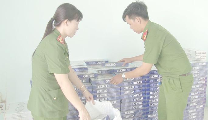 Rủ em họ thuê ôtô từ TP HCM chở hàng lậu về vùng U Minh Thượng kiếm lời - Ảnh 2.