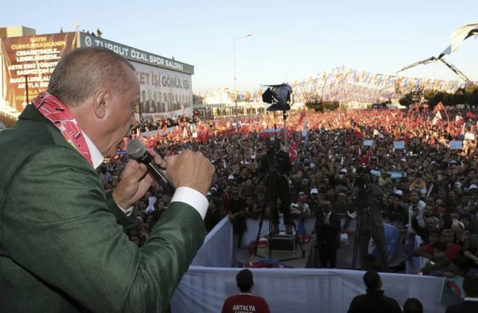 Ông Erdogan gây bão khi dùng video khủng bố New Zealand vận động tranh cử - Ảnh 1.