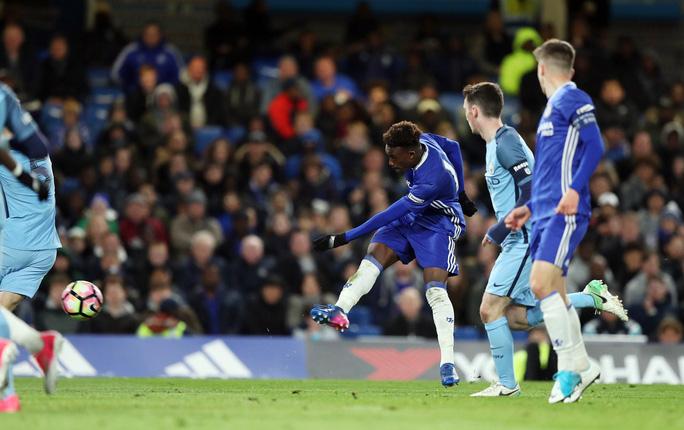 Phản đồ Chelsea lên tuyển Anh ở tuổi 18 - Ảnh 4.