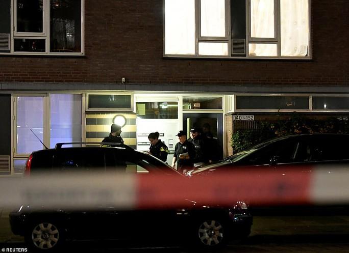 Vụ xả súng ở Hà Lan: Cuộc truy bắt thần tốc và hé lộ tình tiết không ngờ  - Ảnh 3.