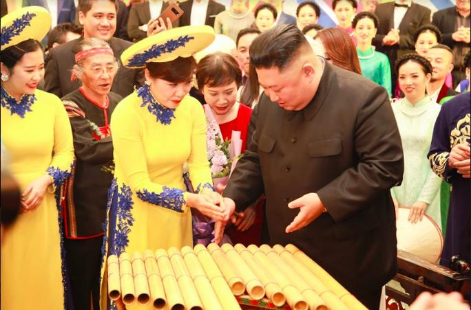 Hé lộ sở thích nghệ thuật của Chủ tịch Triều Tiên Kim Jong-un - Ảnh 7.