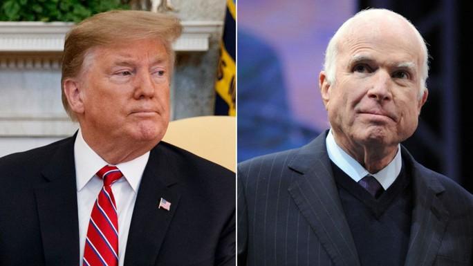 Ông Trump bất ngờ công kích Thượng nghị sĩ McCain quá cố - Ảnh 1.