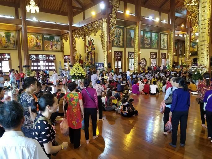 Ngày 21-3, chùa Ba Vàng vẫn rao giảng hiện tượng vong nhập, báo oán - Ảnh 2.