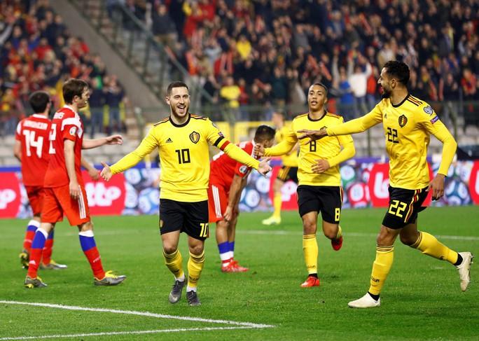 Người nhện Courtois tặng quà, Hazard đòi lại 3 điểm cho Bỉ - Ảnh 4.
