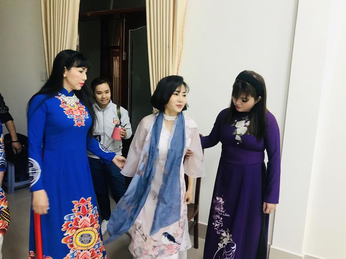 Trí Quang khóc khi thấy Mai Phương trở lại sân khấu - Ảnh 3.