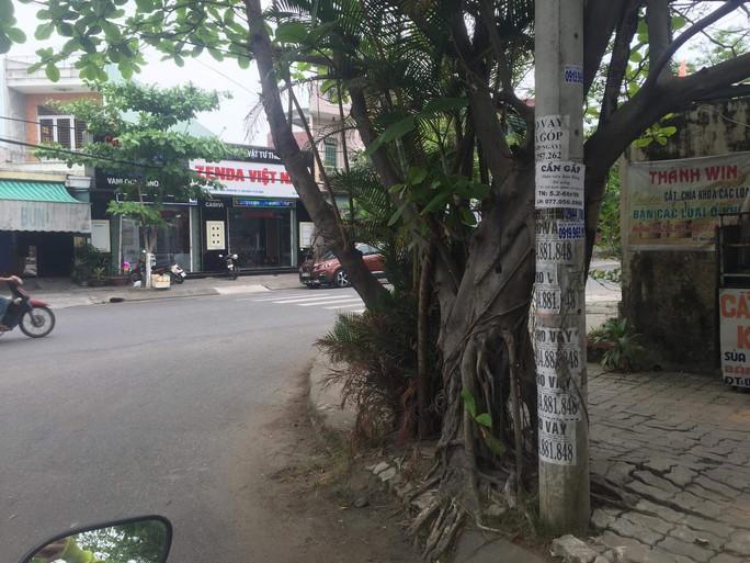 Nhếch nhác tờ rơi cho vay nặng lãi tràn lan trên đường phố Đà Nẵng - Ảnh 12.